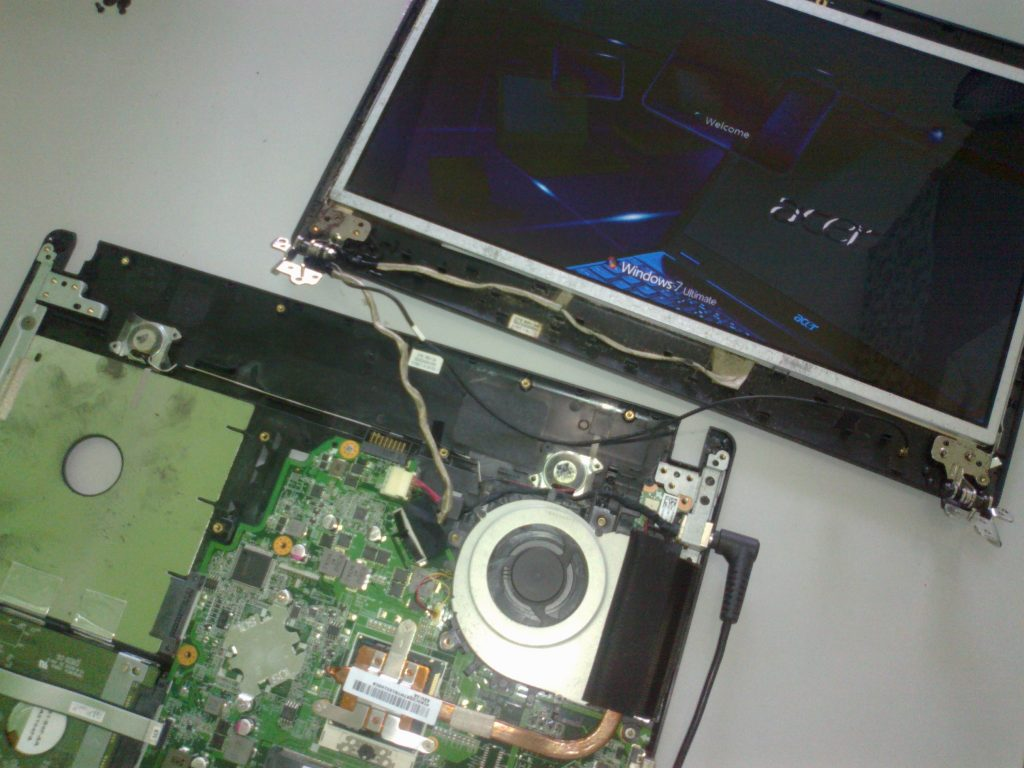 tukar screen laptop